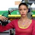 di Vittoria Di Fabio. La caduta del prezzo della benzina, non proporzionata alla riduzione del prezzo del petrolio, è stata accolta con un certo sollievo dalla maggior parte degli automobilisti, […]